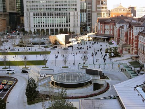 tokyo station square 2.jpg